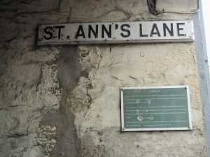 Lane to the old grammar school